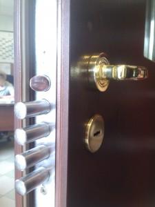 Naprawa drzwi Zbigmet, wymiana zamka w drzwiach Zbigmet. Warszawa, Ursynów, Mokotów, Gocław, Kabaty